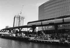 夕凪橋から高浜西運河へ抜ける